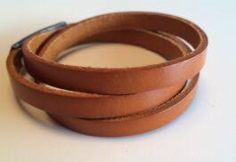 Klio – Brunt læderarmbånd.
