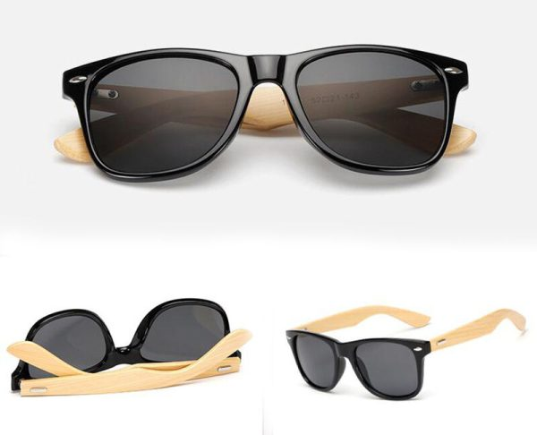 Wayfarer solbrille med bambusstænger og sort glas. 1