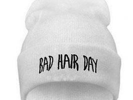 """Hvid hue""""Bad hair day"""""""