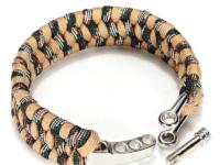 Sandfarvet paracord armbånd med metallås.