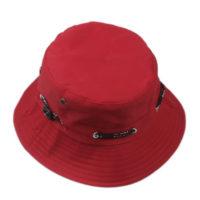 Rød bucket hat.
